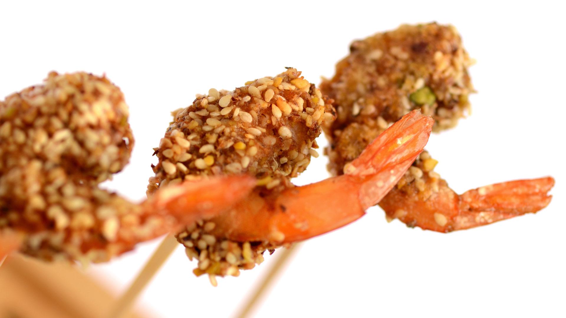 découvrez de savoureux beignets de crevettes aux eclats de pistache et sesame torrefie, chaud ou froid selon vos envies