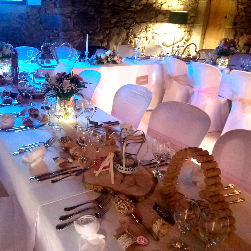 Nous adaptions la décoration des tables à la décoration de votre mariage